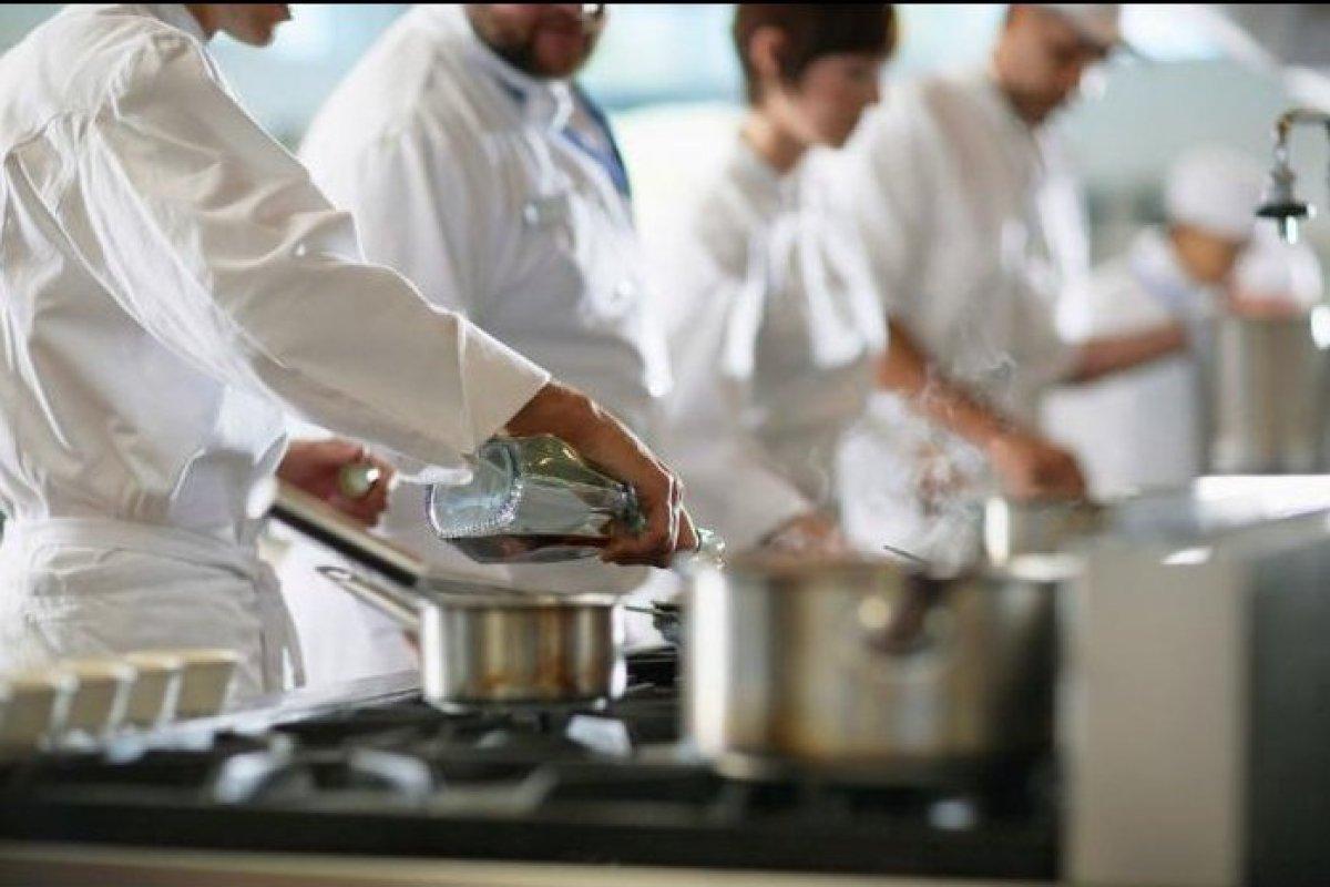 echipamente restaurant resigilate, echipamente HoReCa, echipamente bucatarie