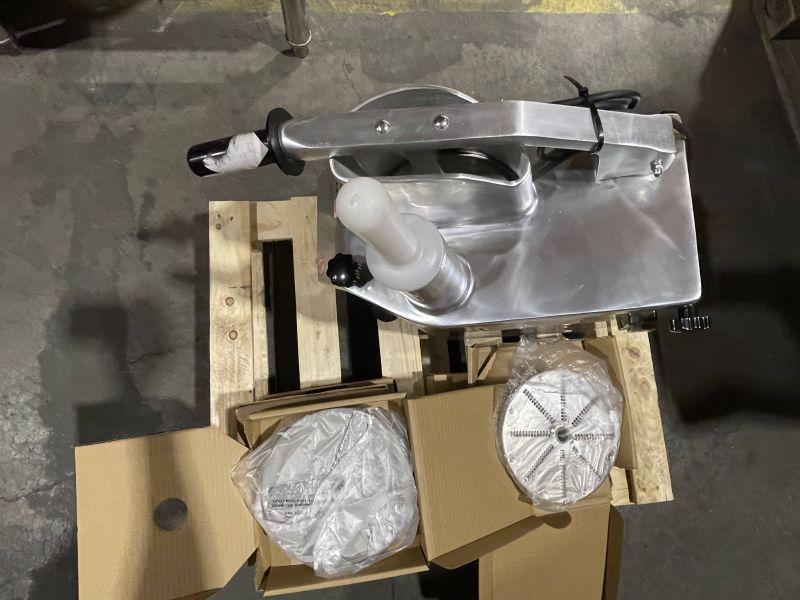 MASINA   ROBOT   APARAT PENTRU TAIAT LEGUME, CU 5 DISCURI INCLUSE - RESIGILAT